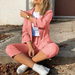 Дамски комплект сако и панталон